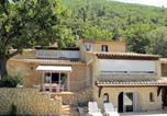 Location vacances Aubres - Holiday Home Les Chênes - Nys140-1