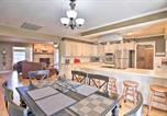 Location vacances Miami - Sunny Waterfront Family Home on Grand Lake!-4
