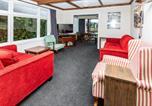 Location vacances Manapouri - Manapouri Mountain Views - Manapouri Holiday House-2