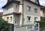 Location vacances Dugo Selo - Apartman Sweet Garden K&A-1