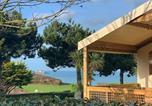 Camping avec Piscine couverte / chauffée Gouville-sur-Mer - Camping Le Châtelet -1
