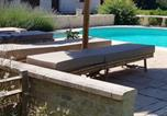 Location vacances Cézac - House with one bedroom in Bussac Foret with shared pool terrace and Wifi-4