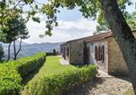 Location vacances  Province de Fermo - Elegant Countryside Home near Monti Sibillini national park-1