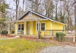Location vacances Flat Rock - Charming Hendersonville Home 1 Mi to Main St!-1