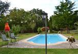 Location vacances Villalpando - Holiday home Calle Barrio Nuevo-1