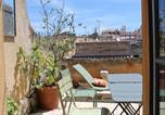 Location vacances Arles - La terrasse du Forum-1