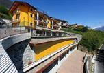 Location vacances Vercana - Piazzo Villa Sleeps 4 Pool Wifi-2
