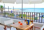 Location vacances Lagoa - Pópulo Beachfront House-1