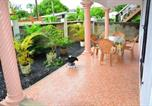 Location vacances Mahebourg - Apartment with 2 bedrooms in Bel Ombre with enclosed garden and Wifi-1