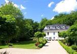 Location vacances Friedrichsbrunn - Weisses-Haus-am-Kurpark-Fewo-Waldblick-1