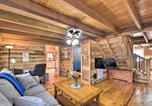 Location vacances Elberton - The Lake Place Cabin with Golf Cart and Kayaks!-3