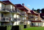 Location vacances  Côte-d'Or - One-Bedroom Apartment Les Allées Du Green 4-2