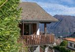 Location vacances Pigra - Muronico Villa Sleeps 8 Wifi-3
