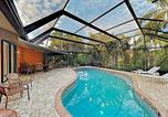 Location vacances Placida - Tropical Gem On Water Home-1