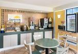 Hôtel Huntsville - Days Inn & Suites by Wyndham Huntsville Spacecenter-4