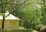 Camping avec Site nature Saint-Amand-de-Coly - Flower Camping Le Temps De Vivre-2