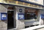 Hôtel Plounévez-Lochrist - Logis Hôtel Les Chardons Bleus-1