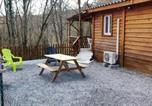 Location vacances Les Assions - Chalet with 2 bedrooms in Saintgenestdebeauzon with wonderful mountain view enclosed garden and Wifi 40 km from the slopes-2