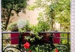 Location vacances  Hauts-de-Seine - Apartment Rue Jean Bleuzen-2