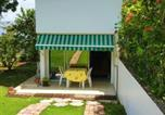 Location vacances  Guadeloupe - Apartment with one bedroom in Baie Mahault with enclosed garden and Wifi 15 km from the beach-1