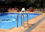 Location vacances Premià de Mar - Apartamentos Vilassar & Swimming pool-2