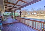 Location vacances Tulsa - Lake Eufaula Hideaway with Fire Pit and Hot Tub!-4