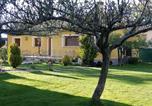 Location vacances  Ségovie - Chalet Riaza con jardin-1