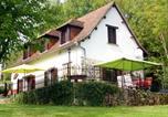 Location vacances Saint-Mesmin - La Maison Blanche Près De Dordogne-1
