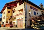 Location vacances Mâcot-la-Plagne - Auberge Le Valezan-1