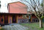 Location vacances  Province de Lucques - Small Tuscan House-1