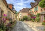 Location vacances Mazeyrolles - La Maison Albizzia-3
