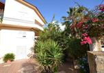 Location vacances  Province d'Agrigente - Sunny Holiday Home in Sciacca with Balcony-1