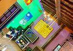 Location vacances Portinatx - Villa 5 double bedrooms. 3 bathrooms.2 Kitchens and big Swimming pool Wifi-4
