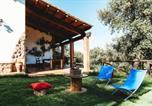 Location vacances Burguillos del Cerro - Villa with 3 bedrooms in Monesterio with wonderful mountain view private pool enclosed garden-3