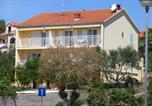 Location vacances Stari Grad - Apartments by the sea Stari Grad, Hvar - 102-1