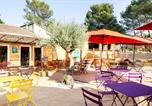 Camping avec Site nature Montfrin - Huttopia Fontvieille-1