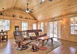 Location vacances Maryville - Little River Honey Hideaway with River Tubes!-2