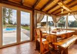 Location vacances Perušić - Beautiful home in Smiljan with Outdoor swimming pool, Sauna and 2 Bedrooms-2