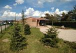 Location vacances Lorraine - Le Chalet des Sotrés 3 étoiles avec terrain clôturé et accès au camping 4 étoiles-2