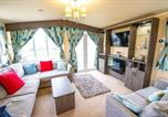 Location vacances Lydd - Big Skies Platinum Plus Holiday Home with Wifi, Netflix, Dishwasher, Decking-3