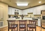 Location vacances Canton - Updated Sears Quarters Condo - Walk to Dining-2