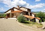 Location vacances Poppi - Borgo alla Collina Villa Sleeps 10 Pool Wifi-1