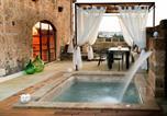 Location vacances Alessano - Villa di design con piscina privata riscaldata-1