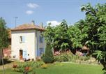Location vacances Colombier-le-Vieux - Three-Bedroom Holiday Home in Alboussiere-1