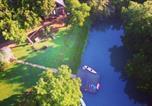 Location vacances Gonzales - Geronimo Creek Retreat Glamping Cabin #5-3