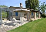 Location vacances Gualdo Cattaneo - Toscella Villa Sleeps 6 with Pool Air Con and Wifi-1