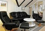 Location vacances Hjerting - Two-Bedroom Holiday home in Esbjerg V 1-4