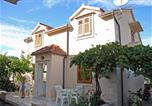 Location vacances Supetar - Apartments with a parking space Supetar, Brac - 6037-1