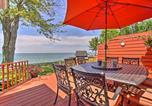 Location vacances Warren - Family Lake Erie House with Deck and Waterfront Views!-2