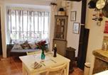 Location vacances Montséret - Holiday home Barenton H-761-4